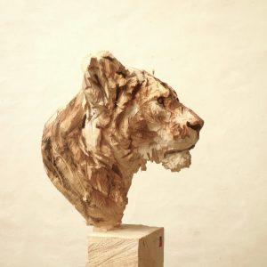 Lioness, wood, 165x47x50cm 2